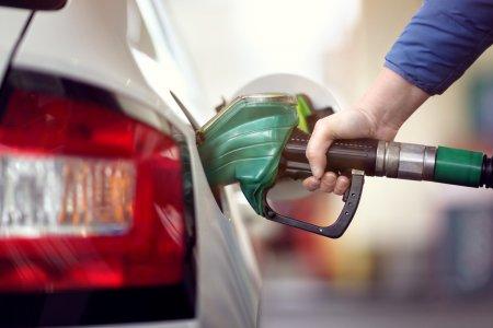 Majorarea preturilor la carburanti este investi<span style='background:#EDF514'>GATA</span> de Consiliul Concurentei