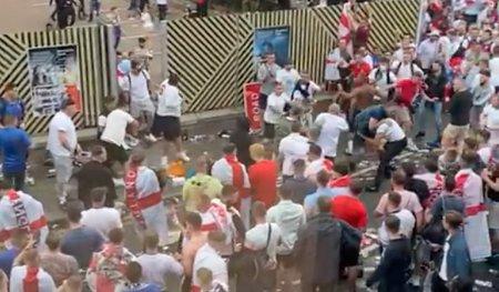 Anglia, sanctionata de UEFA dupa haosul de la finala Euro! Fanii au vrut sa invadeze Wembley-ul si s-au batut cu stewarzii