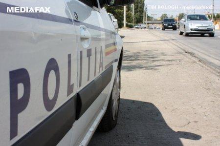 Incident pe o strada din Bucuresti. Un copil a cazut in groapa sapata pentru o conducta de apa calda