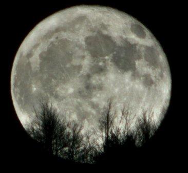 Luna plina din 20 octombrie. Intre pasiuni aprinse si despartiri