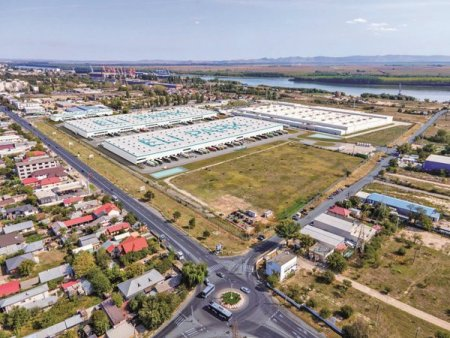 Asociere sur<span style='background:#EDF514'>PRIZA</span> in logistica: Ionut Dumitrescu, unul dintre cei mai cunoscuti investitori imobiliari, s-a asociat cu Sacha Dragic, fondatorul Superbet, pentru dezvoltarea a 500.000 mp de spatii industriale in toata tara. Investitia depaseste 90 mil. euro
