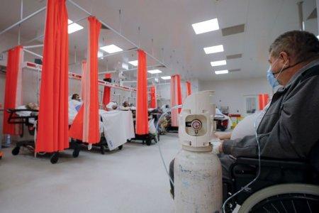 <span style='background:#EDF514'>TOATE</span> paturile de la ATI din tara pentru pacientii bolnavi de COVID-19 sunt ocupate