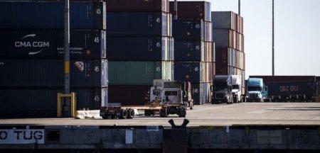Criza containerelor este fara precedent in istorie.Comandant roman de nava: De Craciun, s-ar putea sa va intoarceti cu mana goala de la cumparaturi