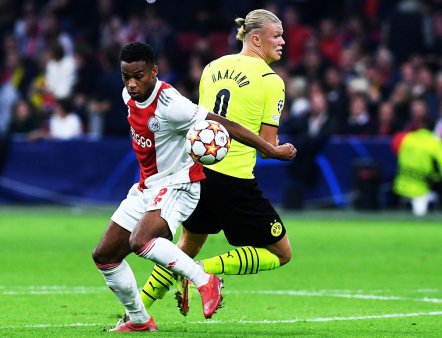 Borussia Dortmund a suferit cea mai severa infrangere din istoria participarilor in Liga! Antrenorul abia si-a gasit cuvintele