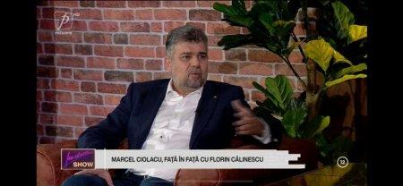 Moment neplacut pentru Marcel Ciolacu, in noua emisiune a lui Florin Calinescu. Un gandac i-a aterizat pe camasa – FOTO