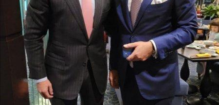 Fugarul Cristian Rizea, fotografie cu Rares Bogdan: Ii multumesc vechiului meu prieten pentru vizita si sustinere. Ce spune europarlamentarul