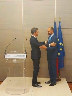 Medicul Radu Lupescu a fost decorat la <span style='background:#EDF514'>PARIS</span> cu Ordinul National al Meritului, conferit de presedintele Frantei, Emmanuel Macron