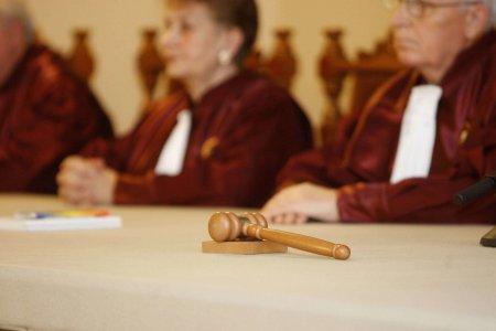 CCR a decis! Magistratii sunt de acord cu sesizarea privind neconstitutionalitatea primei stari de alerta