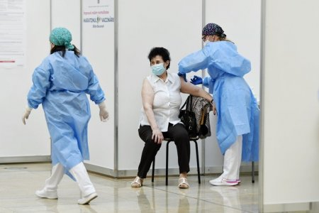 Peste 79.000 de persoane s-au vaccinat anti-COVID-19 in ultimele 24 de ore, dintre care 43.952 s-au imunizat cu prima doza