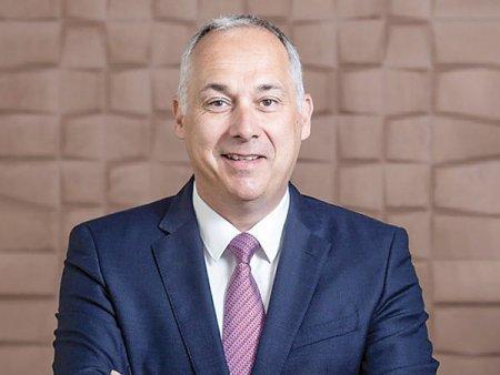 Fondul de investitii Sarmis Capital, cu Cezar Scarlat printre fondatori, face prima tranzactie si intra cu pachet majoritar la COS, furnizor de solutii de amenajari si mobilier