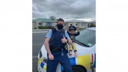 Politia din <span style='background:#EDF514'>NOUA ZEELANDA</span> a fost chemata de urgenta de catre un copil de 4 ani
