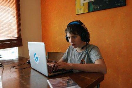 Interpolul, sesizat de o platforma de jocuri online ca un copil din Buzau vrea sa se sinucida. Care este starea minorului