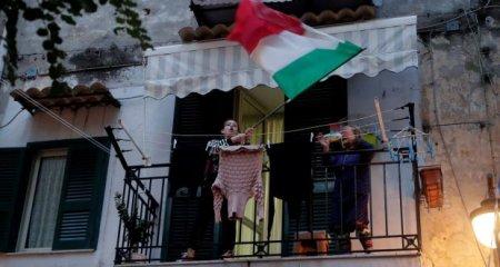 Italia: Badantele fara certificat verde raman fara loc de munca!