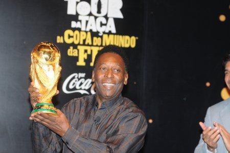 Fostul fotbalist Pele si-a speriat fanii! Mesajul care a pus pe jar toata lumea: Ma apropii tot mai mult de obiectiv