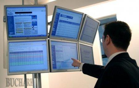 Un investitor cu 6,13% din SIF Muntenia cere distribuirea de <span style='background:#EDF514'>DIVIDENDE</span> in valoare de 350 milioane lei