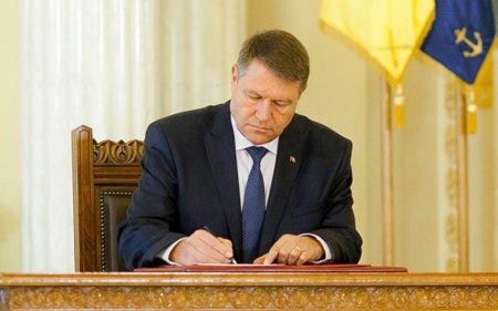 Iohannis a semnat <span style='background:#EDF514'>DECRETU</span>L: Ciuca, desemnat sa formeze un nou Guvern!