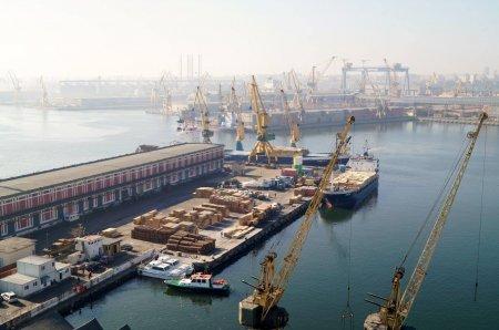 Cum ar putea sa <span style='background:#EDF514'>CAST</span>ige portul Constanta de pe urma Pactului verde european