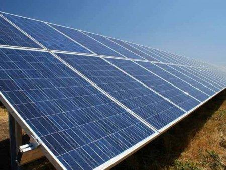 Studiu Global Data, Londra: Capacitatea proiectelor solare va creste semnificativ pe fondul inchiderii centralelor pe carbuni
