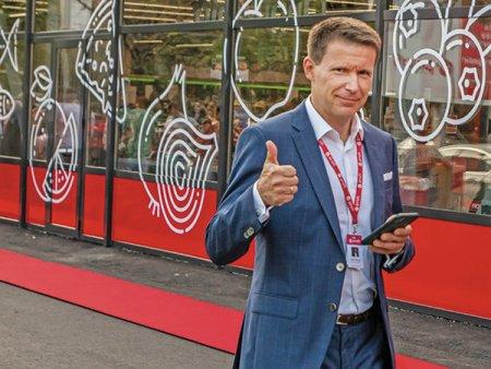 Pawel Musial, CEO al Profi: Viitorul apartine magazinelor fizice mici. Online-ul nu va ajunge sa manance mai mult de 15% din <span style='background:#EDF514'>COMERTUL</span> alimentar. Profi are peste 1.500 de magazine offline in Romania, retailerul obtinand in 2020 afaceri de 8,8 mld. lei, plus 22%