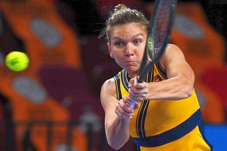 Simona Halep, prima reactie dupa calificarea in <span style='background:#EDF514'>SFERTURI</span>le Kremlin Cup: Știam ca va fi greu sa termin in doua seturi » Ce gluma a facut