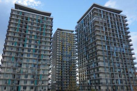 Proiectul privind reabilitarea a aproximativ 50 de blocuri din Sectorul 2, respins de <span style='background:#EDF514'>CONSILIERI</span>i locali