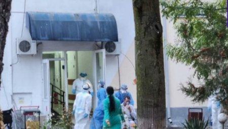 Cod rosu de interventie la Spitalul din Carbunesti, dupa ce instalatia de oxigen s-a stricat. Pacientii sunt ventilati manual