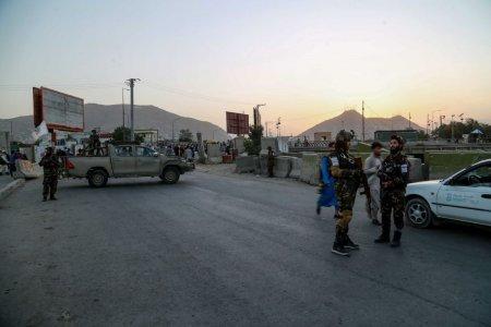 Capitala Afganistanului a ramas in bezna dupa o explozie care a distrus un stalp de inalta tensiune