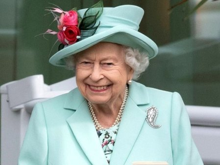 Regina Elisabeta si-a petrecut noaptea in spital