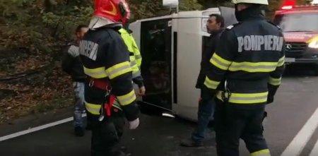 Un microbuz s-a rasturnat pe o sosea din Cluj. Sase pasageri au ajuns la spital