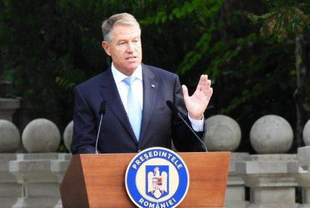Klaus Iohannis anunta ca Romania are nevoie de un guvern stabil pentru a iesi din criza si lanseaza noi atacuri la adresa USR:  Zilele trecute au cam aratat care au fost crizatorii
