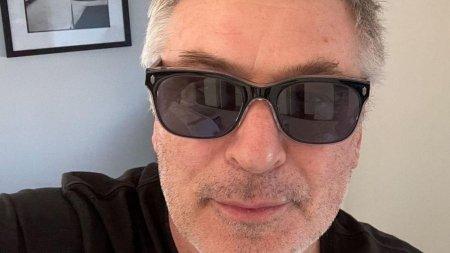 Alec Baldwin a revenit pe Twitter cu un mesaj ciudat, cu o zi inainte de incidentul fatal. Intrebarile care asteapta raspuns dupa ce actorul si-a impuscat doi colegi