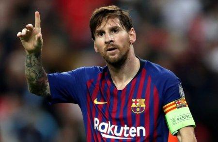 Messi face presiuni ca PSG sa faca un schimb cu <span style='background:#EDF514'>BARCELONA</span>