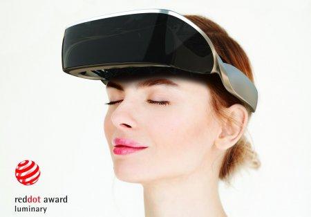 Ochelarii pentru nevazatori creati de un start-up romanesc, premiu extrem de important la nivel mondial