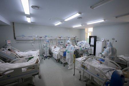 Niciun pat liber la terapie intensiva pentru pacientii cu COVID-19