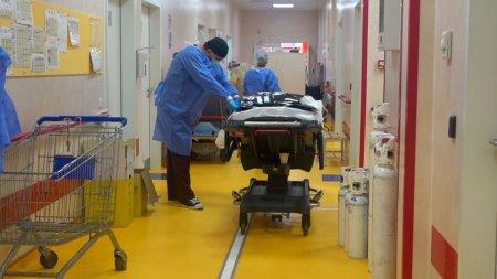 Un tanar de 35 de ani din <span style='background:#EDF514'>ARGES</span>, intubat in ziua cand a devenit tata, a murit. Nu a aflat ca sotia lui a adus pe lume o minune