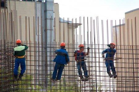 EXCLUSIV. Cum ar putea muncitorii moldoveni si ucraineni sa salveze economia romaneasca