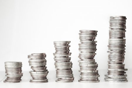 Cum se pot schimba banii vechi? Afla ce banca cumpara bani vechi
