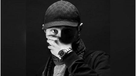 Un celebru rapper <span style='background:#EDF514'>SUEDE</span>z, impuscat mortal pe strada, chiar in Stockholm. Einar avea doar 19 ani