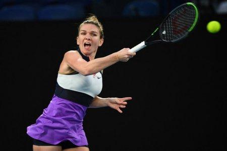 Simona Halep s-a oprit in <span style='background:#EDF514'>SFERTURI</span>le de finale ale turneului din Moscova. Sportiva a fost invinsa de Maria Sakkari