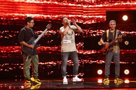 X Factor 2021, 22 octombrie. I<span style='background:#EDF514'>ONUT</span> Mihai a cantat piesa emblema - Ederlezi, alaturi de instrumentistii sai