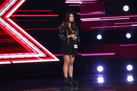 X Factor 2021, 22 octombrie. Ana Maria Mustia a interpretat piesa Le parole lontane si nu i-a cauzat <span style='background:#EDF514'>DELO</span>c probleme