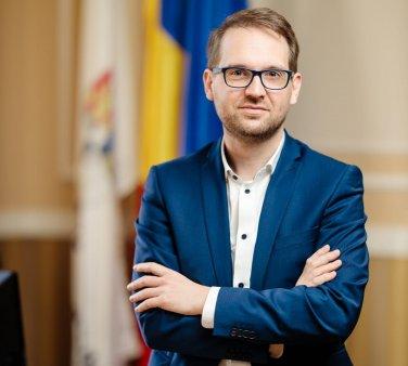 Dominic Fritz a re<span style='background:#EDF514'>ACTION</span>at in urma acuzatiilor! Edilul explica cum a ajuns casa de 330.000 de euro pe numele lui