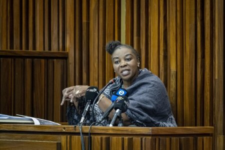 O politista din Africa de Sud si-a ucis sora, o verisoara, trei nepoti si iubitul pentru a incasa asigurarile lor de viata. Cum a fost prinsa