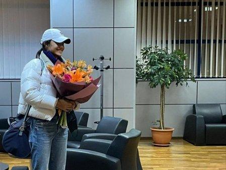 FOTO Emma Raducanu a ajuns in Romania. Sportiva va participa la turneul de tenis de la Cluj-Napoca