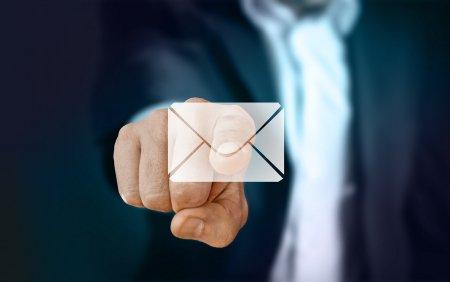Pericolul din emailuri. Avertisment <span style='background:#EDF514'>TOTAL</span> privind atacurile cibernetice: Feriti-va sa faceti aceste lucruri