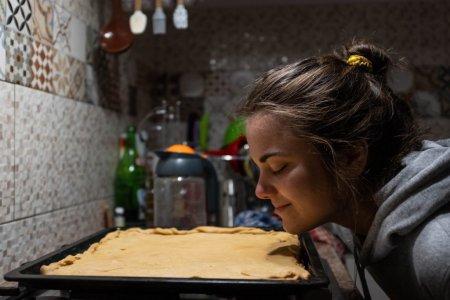 Jurnalul unei adolescente care se confrunta cu o tulb<span style='background:#EDF514'>URARE</span> alimentara: Prajiturile mamei imi amortesc fricile
