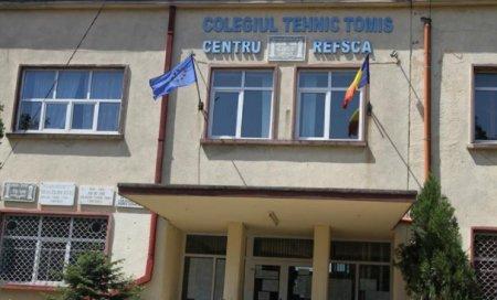 Trei elevi de la un liceu din Constanta au fost retinuti pentru tentativa de viol. Fapta s-a petrecut pe holul scoli