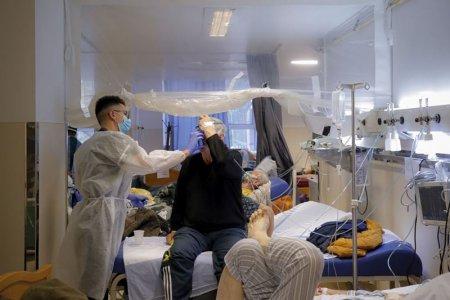 Toate pa<span style='background:#EDF514'>TURI</span>le de terapie intensiva pentru pacientii cu COVID-19 sunt ocupate