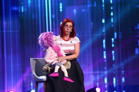 iUmor, 23 octombrie 2021. Julia Kolarova, numarul de ventrilocie cu care a speriat-o pe Delia: Visez la noapte