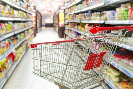 Cum a schimbat inflatia comportamentului de consum: oamenii merg mai rar la magazin si vizeaza promotiile si marcile private